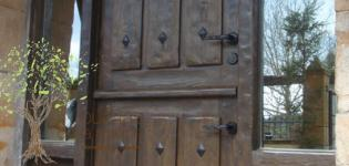 puertas rústicas de exterior